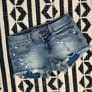 American Eagle High Waisted Distressed Shorts SZ 4